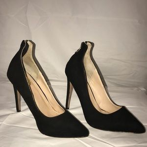 Sexy Janiko pumps retail $330 sz 39